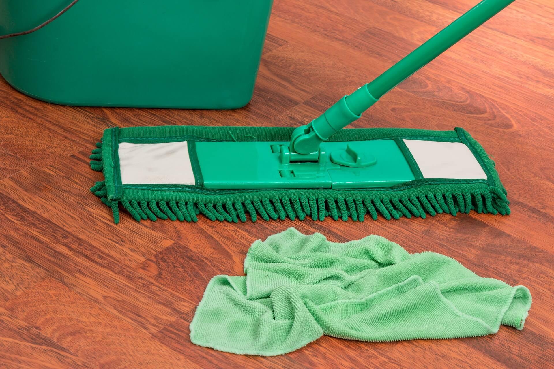 床 モップ 掃除